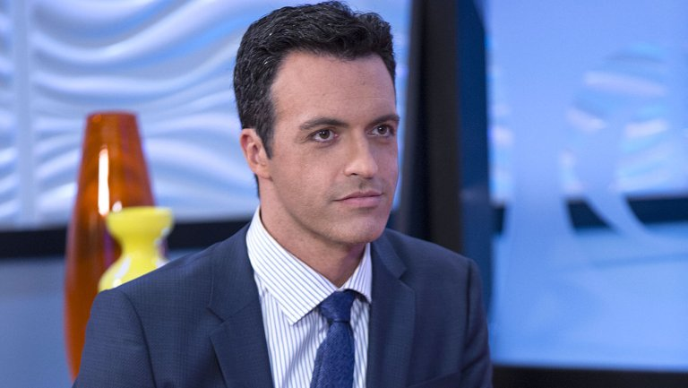 .@VeepHBO star @ReidScott to guest on real 'CBS This Morning'