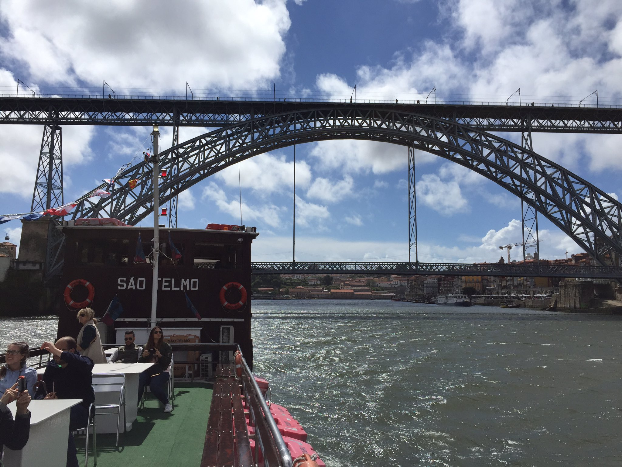 Descubriendo #Oporto una ciudad para perderse #ViajeOportuno https://t.co/DK3oLKRNGK