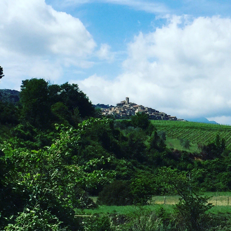 Il paesaggio rurale della #ValleAmaseno 🌿 un luogo dove tradizione e autenticità ancora persistono #lazioisme #italianvillages #lazio #italy https://t.co/VHxZr6lUw3