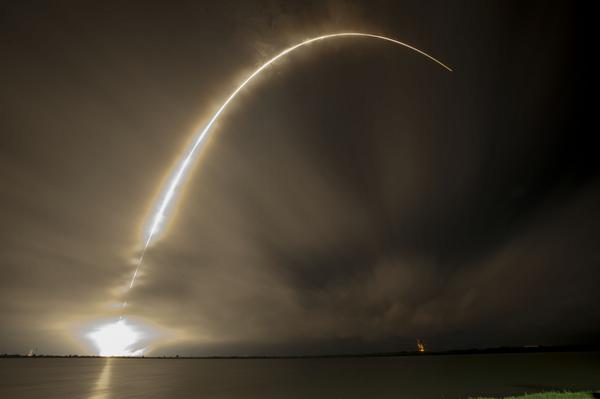 SpaceX to kick off 4,425-strong satellite constellation launch in 2019