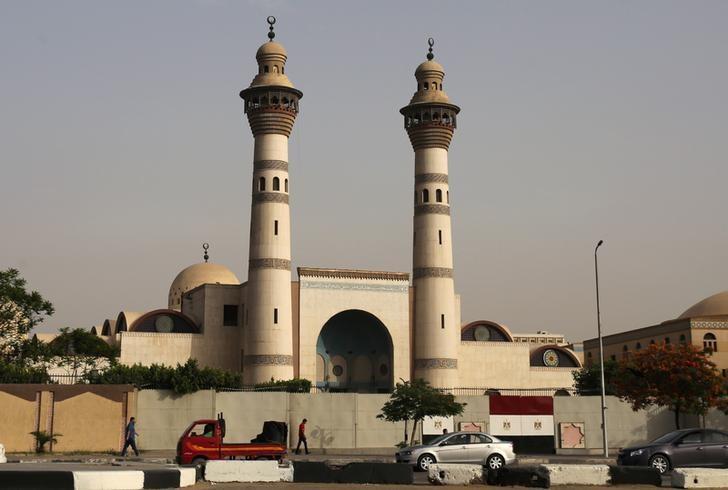 Egypt's Al-Azhar university replaces head in apostasy row