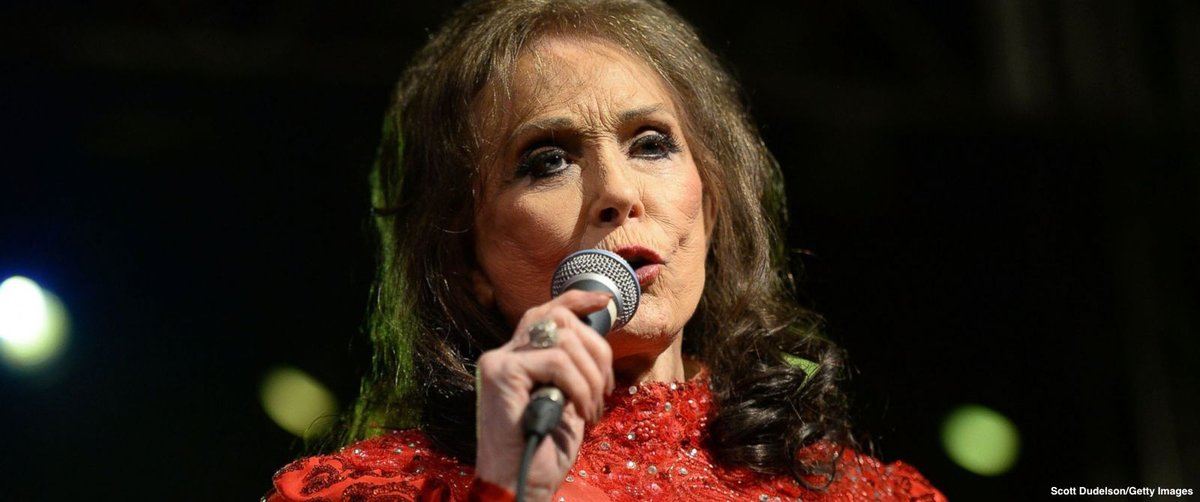 Country music legend Loretta Lynn hospitalized in Nashville after suffering stroke