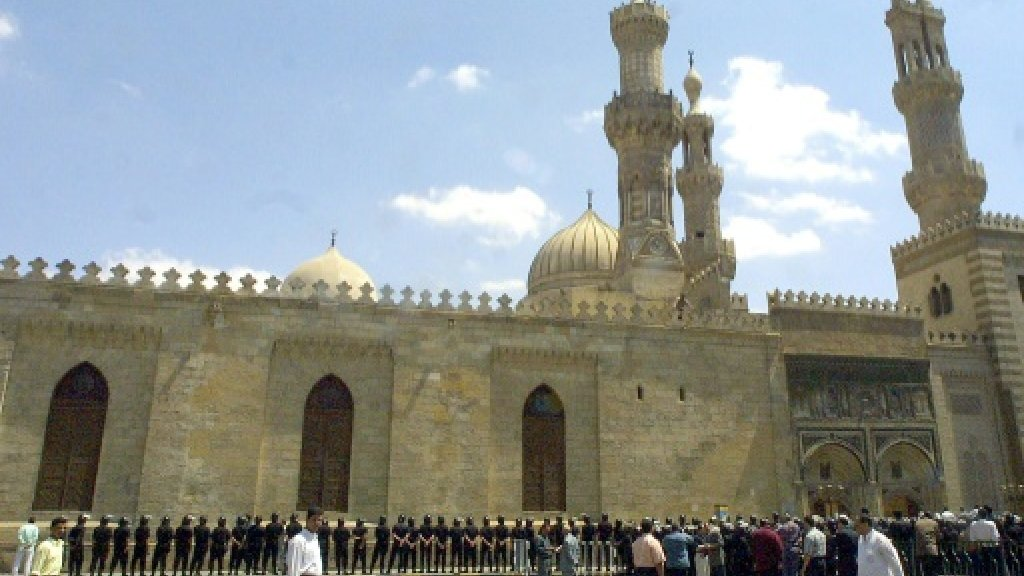 Egypt Azhar university head replaced after 'apostacy' remarks