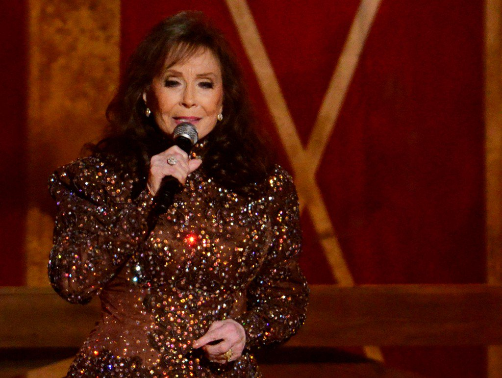 Country music icon Loretta Lynn hospitalized after stroke, publicist says