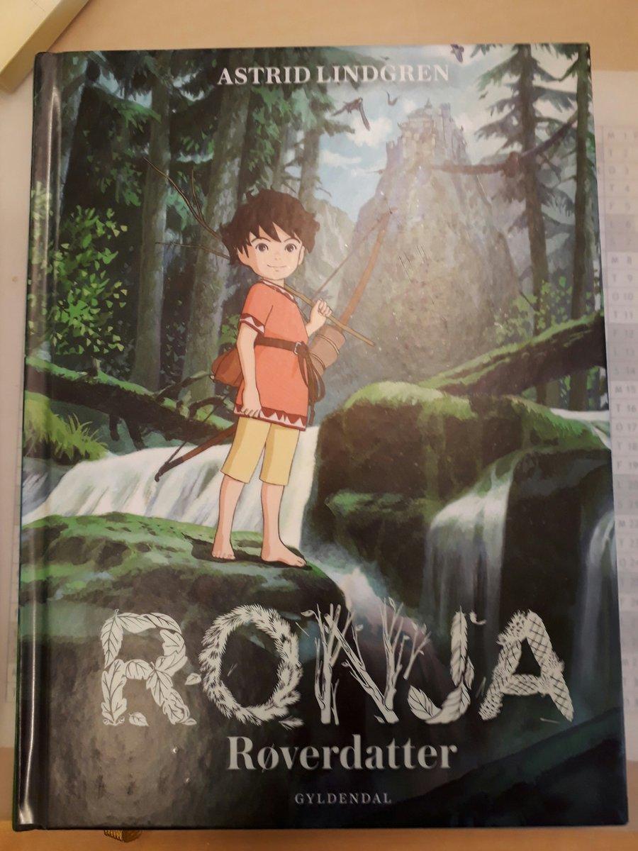「山賊の娘ローニャ」新表紙のデンマーク語版。このアニメ、日本ではお馴染みだが北欧では放映されていない。いつか来るのかな。