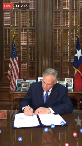Tonight I signed the law that bans sanctuary cities in Texas. Stiff penalties for violators. #txlege #tcot https://t.co/MeVSCpg2oR