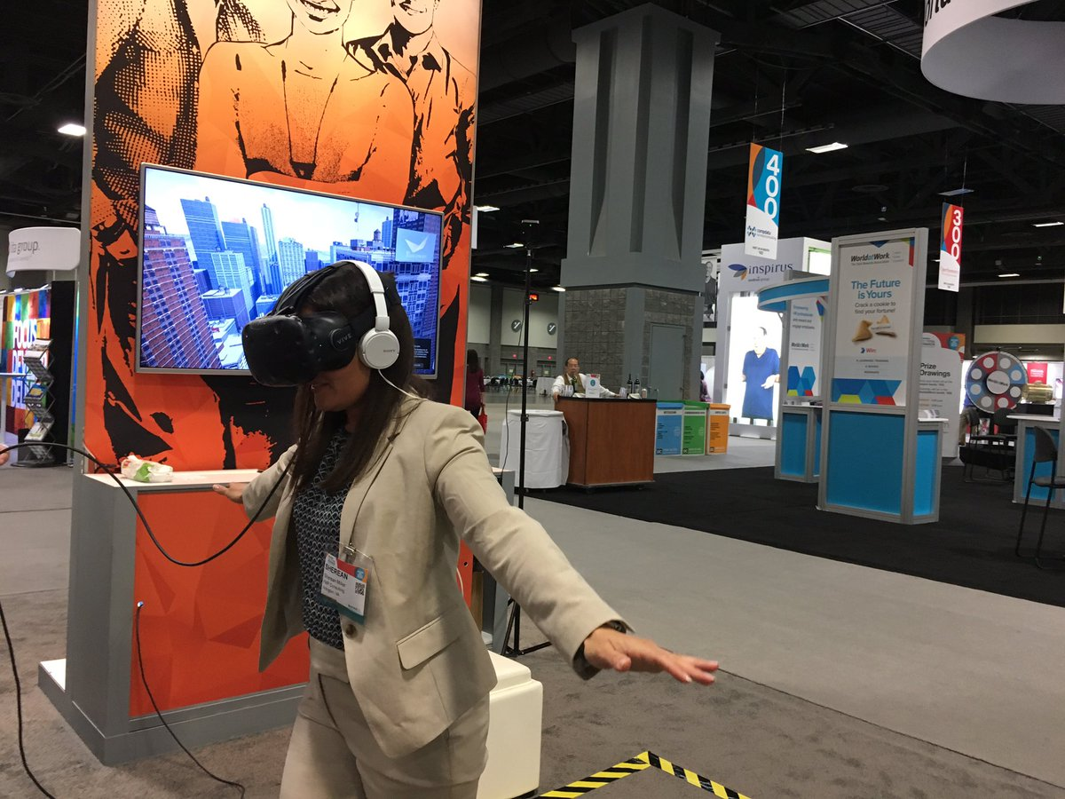 RT @FMPConsultants: Really cool virtual reality experience @biworldwide #TotalRewards17 https://t.co/Y3Le93aJIQ