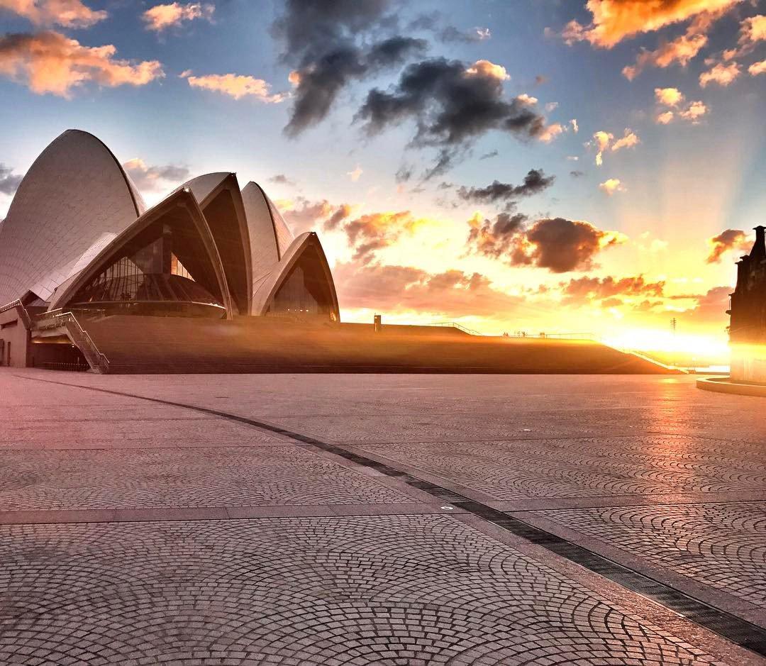Nice to be back in Australia ???????????????????? https://t.co/JLgFHza6nl