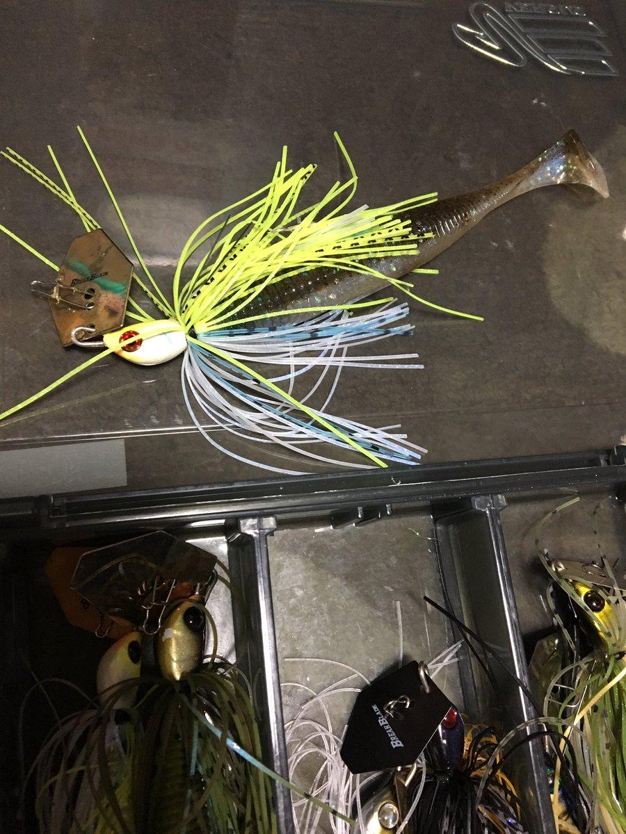 秦さんの釣りにチャターを使うイメージがあまり無いのですが、ブレイクブレイド&リズムウェーブ、これも良いと思いま