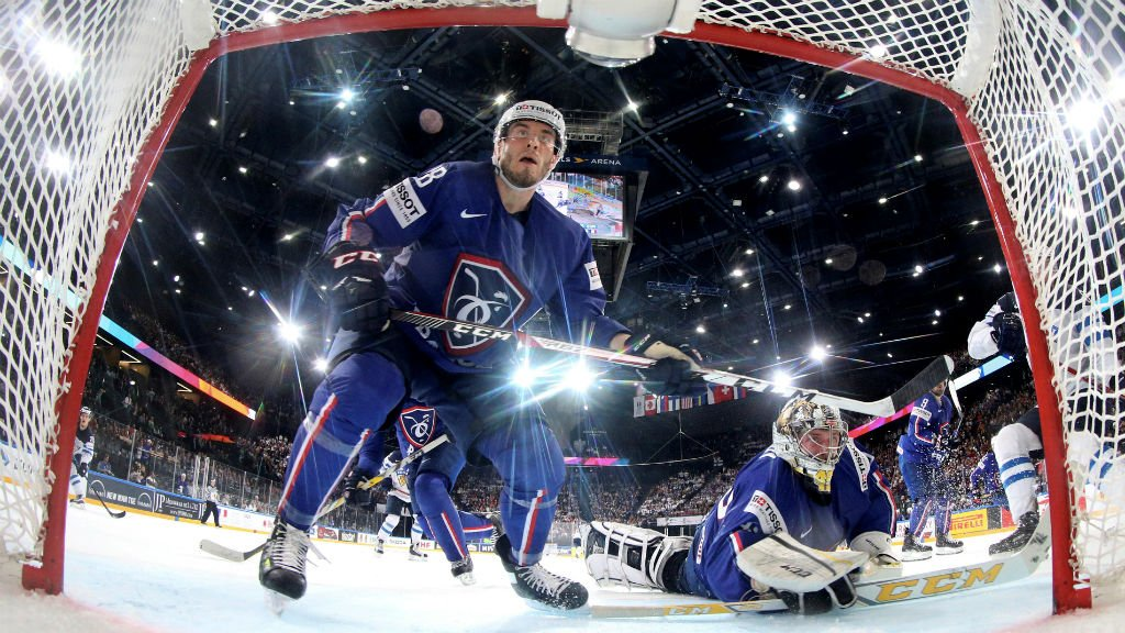 Canada, Russia live up to favourites' stamp at Ice Hockey World Championship