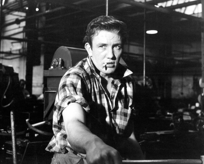 Happy birthday to one hell of an actor, five-time Oscar-nominee Albert Finney!