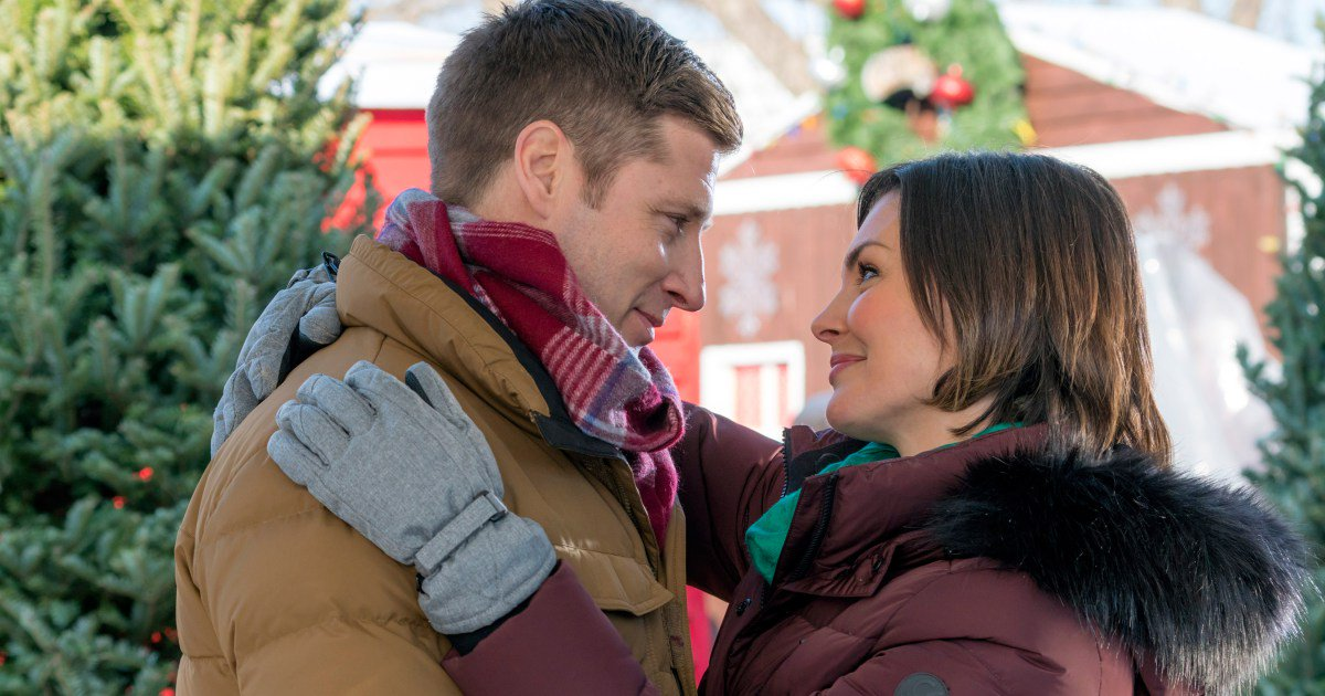 .@HallmarkChannel has revealed 8 more Christmas TV movies! ?