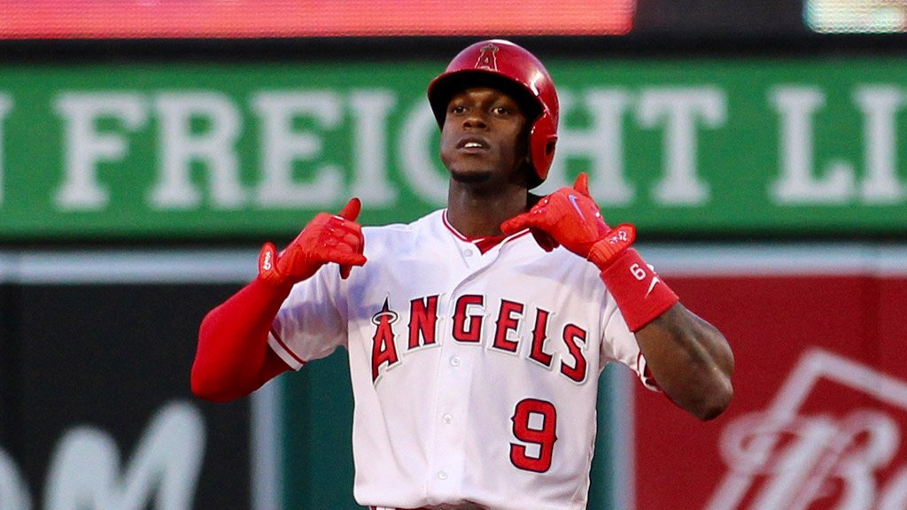 .@CameronMaybin brings home @Andrelton, extends lead to 3-0.   Onto the 5th #AtTheBigA! https://t.co/ahFRPT8UEe https://t.co/85p3n11BFt