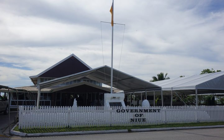 Pre-election pay rise in Niue raises concerns