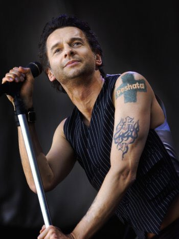 Happy birthday to Dave Gahan!! SO many shows, great freakin times! Thank you, sir!!