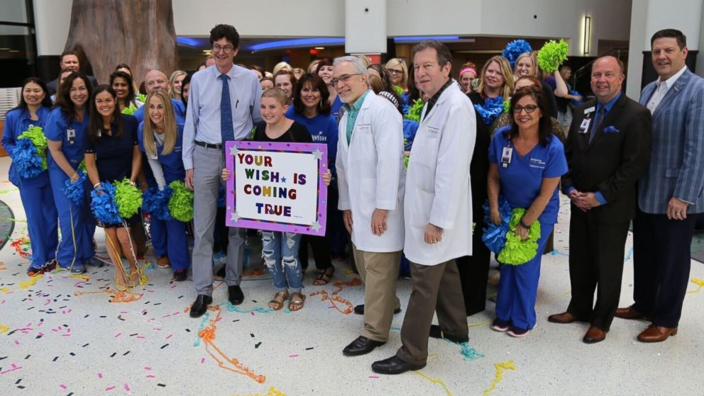 Nurses, doctors surprise 11-year-old girl with flash mob for dream trip