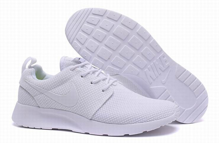 Like WHITE ROSHE RUNS  shop@ https://t.co/Y0kvPxjRUu                     Using code LIFE for 10% discount https://t.co/BpCfNxn5Zc