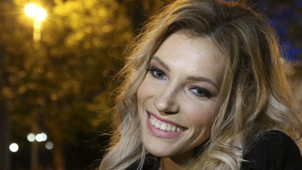 Banned Eurovision singer returns to Crimea
