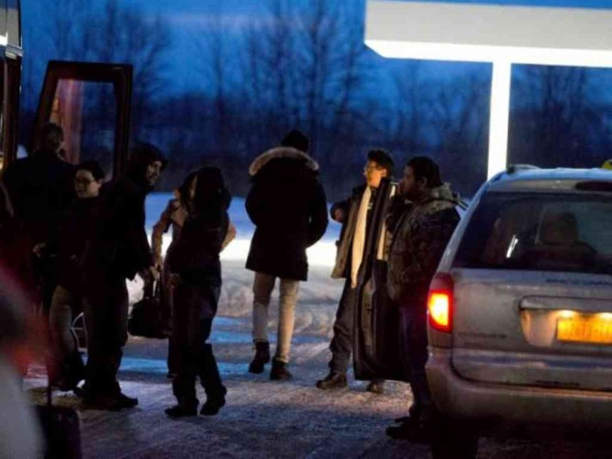 New York fines cab companies for fleecing migrants fleeing to Canada