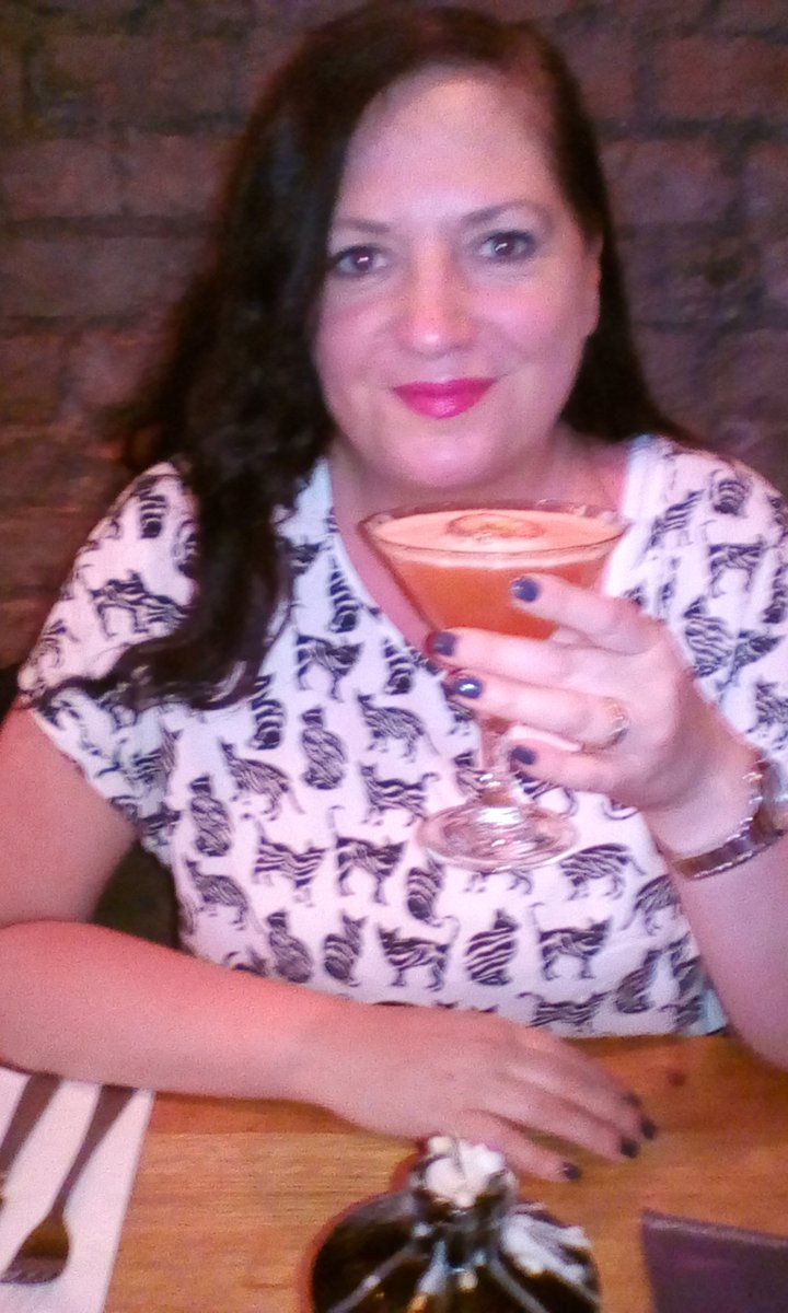 cocktails and fabulous meal at @pitchcardiff today #actorsdayoff #actorslife https://t.co/nmykFowBZn