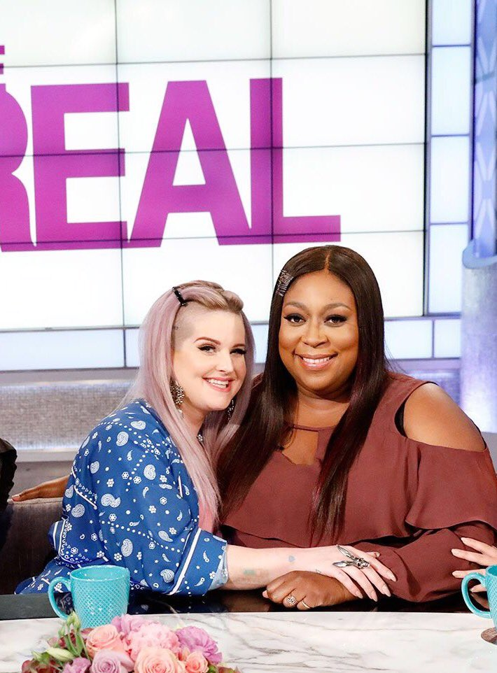 Hey @TheRealDaytime. This is REAL love!!! #LoniAndKelly4Life #CropABitch ???????????????? https://t.co/CZ9Edl8qDB