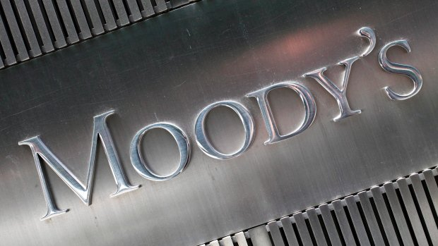Moody's downgrades ratings for Canada's big banks amid consumer debt worries
