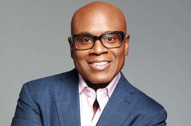 L.A. Reid out at Epic Records https://t.co/Gex9Y09hsP https://t.co/pzOvbEpKTC