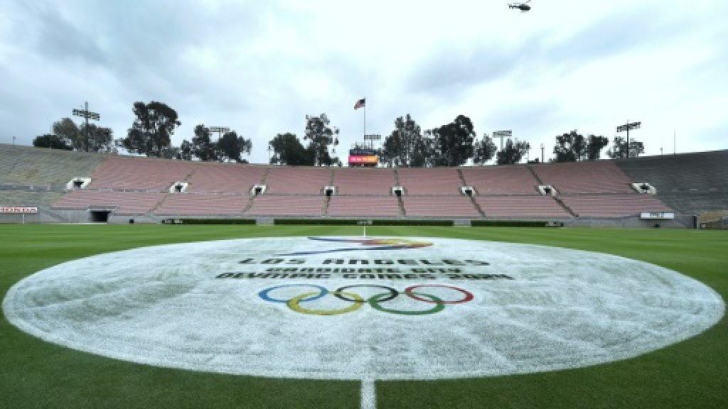 Hollywood stars, billionaires meet IOC delegation