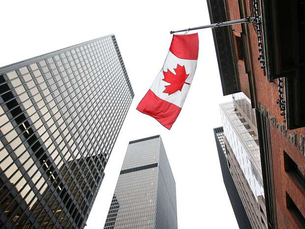Moody's takes Canadian banks down a notch, warns of more challenging operating environment