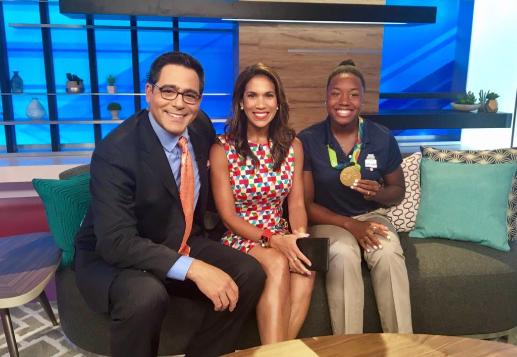 catching up w/ #GoldMedalist @simone_manuel @KPRC2! She's raising awareness #MakeaSplash @SwimFoundation #watersafety https://t.co/zfOUbhzRHs