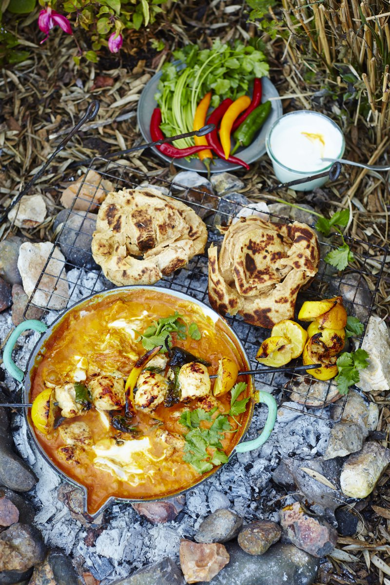 Saturday night is curry night in the Oliver household!! Try my cracking chicken tikka masala https://t.co/N5ViKTZzo0 https://t.co/sBlMMqdOHN