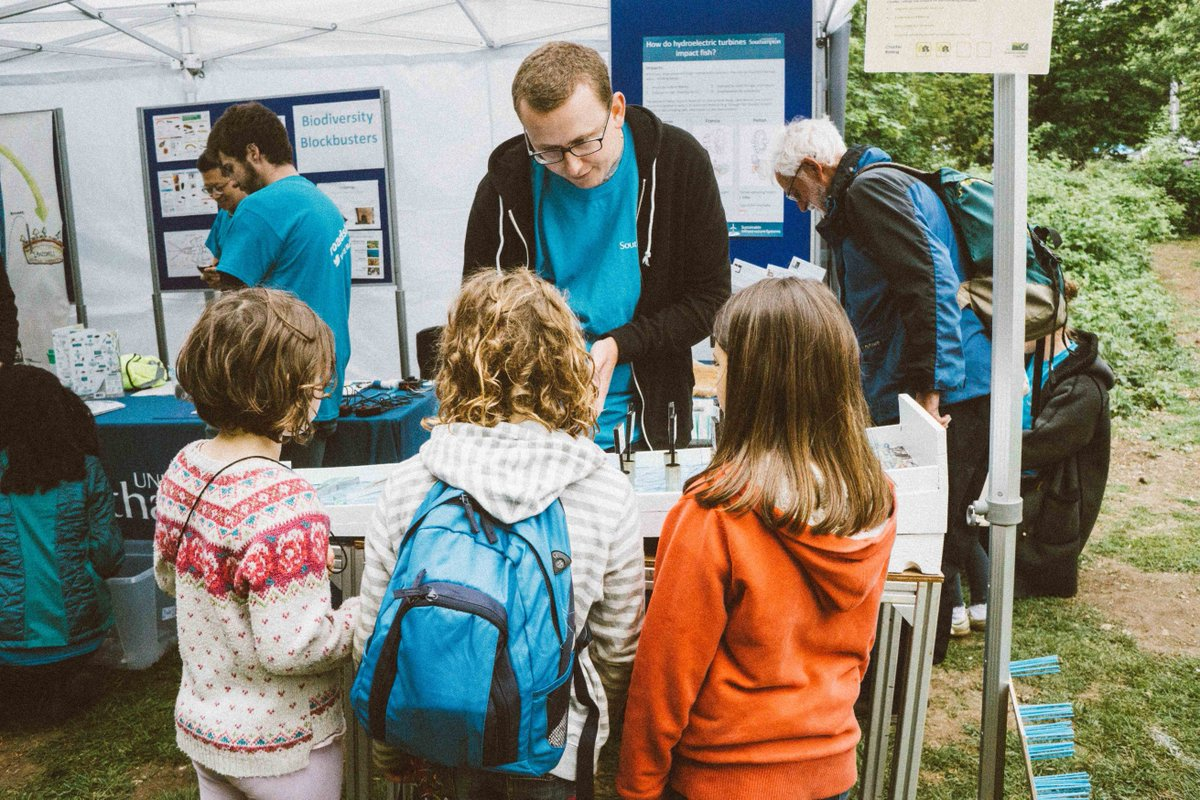 test Twitter Media - Lee Chisman explaing @UoS_ICER and @CDTSIS research to the next generation of scientists and engineers at the @SusCentre fair. @UoS_Roadshow https://t.co/h8oHGrnzcK