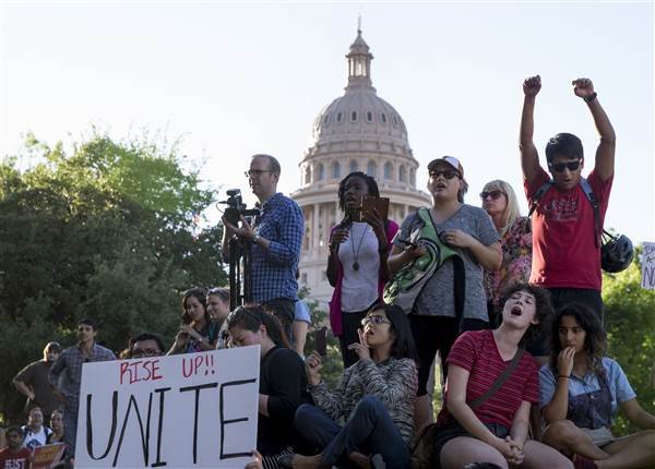 Texas' SB4 immigration enforcement law: 5 things you need to know