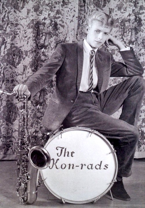 Publicity photo for 16-year-old David Bowie's first band The Kon-rads (1963). https://t.co/wXqweISvsm