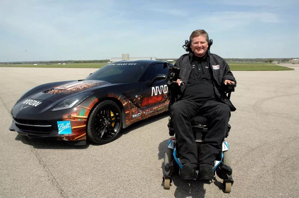 test Twitter Media - Mario Andretti vs. semi-autonomous tech on the track https://t.co/DBViKvUvMs https://t.co/XxdRCiPYiv