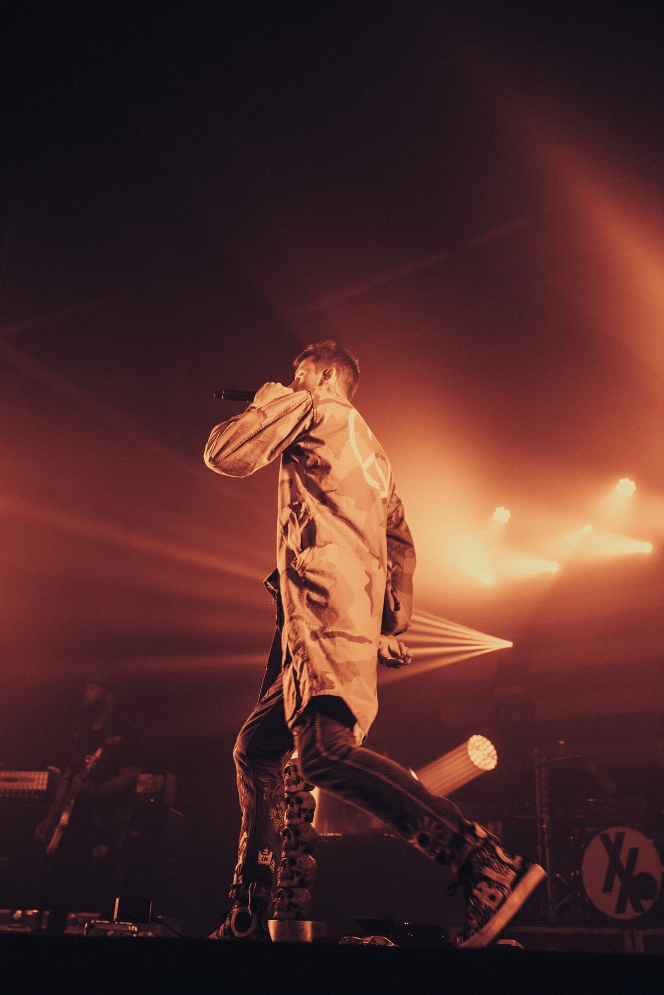 .@machinegunkelly performing live at @MMusicWorks in Nashville. Photos by @nolanknight_. #MGK https://t.co/12BWWGbKrE