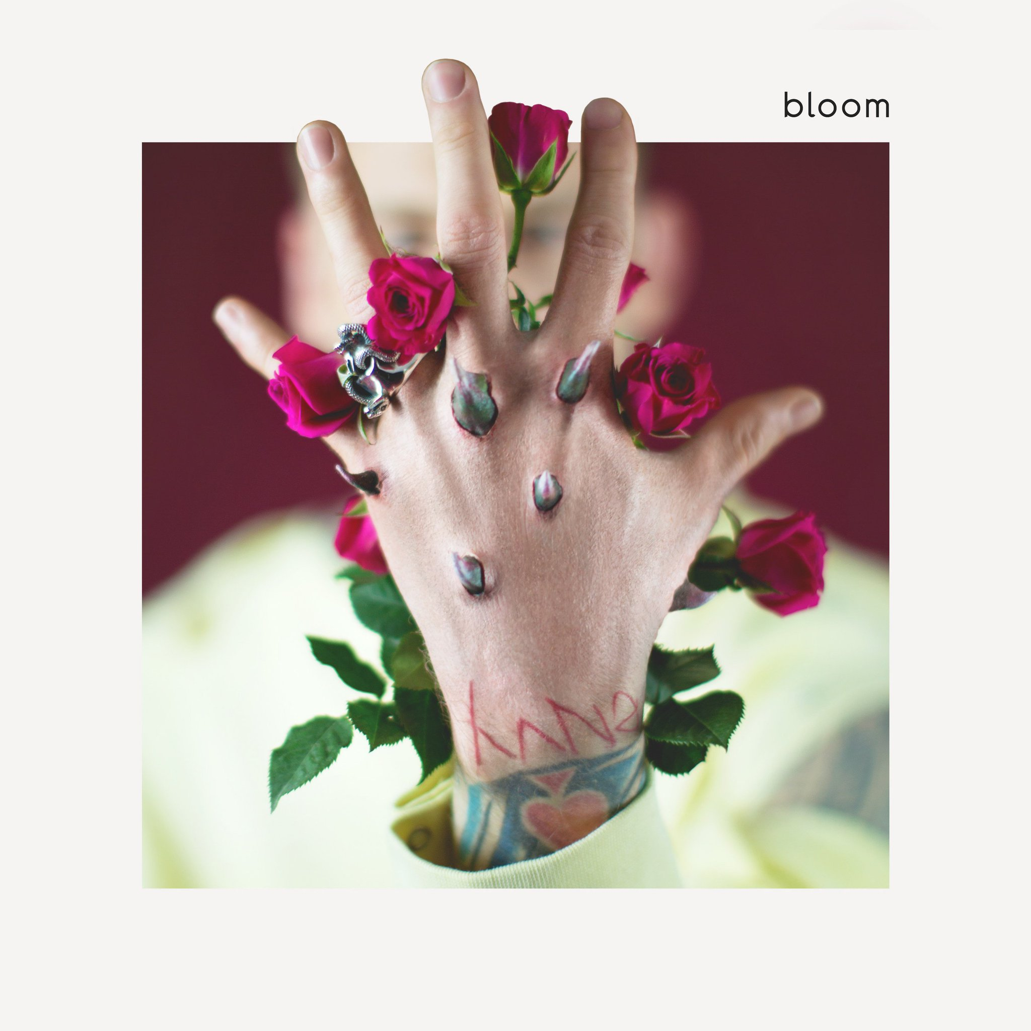 Can't wait to hit the road with @machinegunkelly, his new album #bloom is out now: https://t.co/BoW4lZsadD https://t.co/kxvdPeB9w5