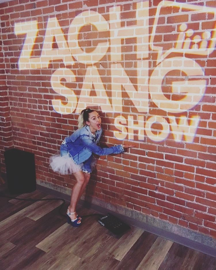 Stopped by the @ZachSangShow  today!!!! ������������ #Malibu https://t.co/QQrT2JoUjg