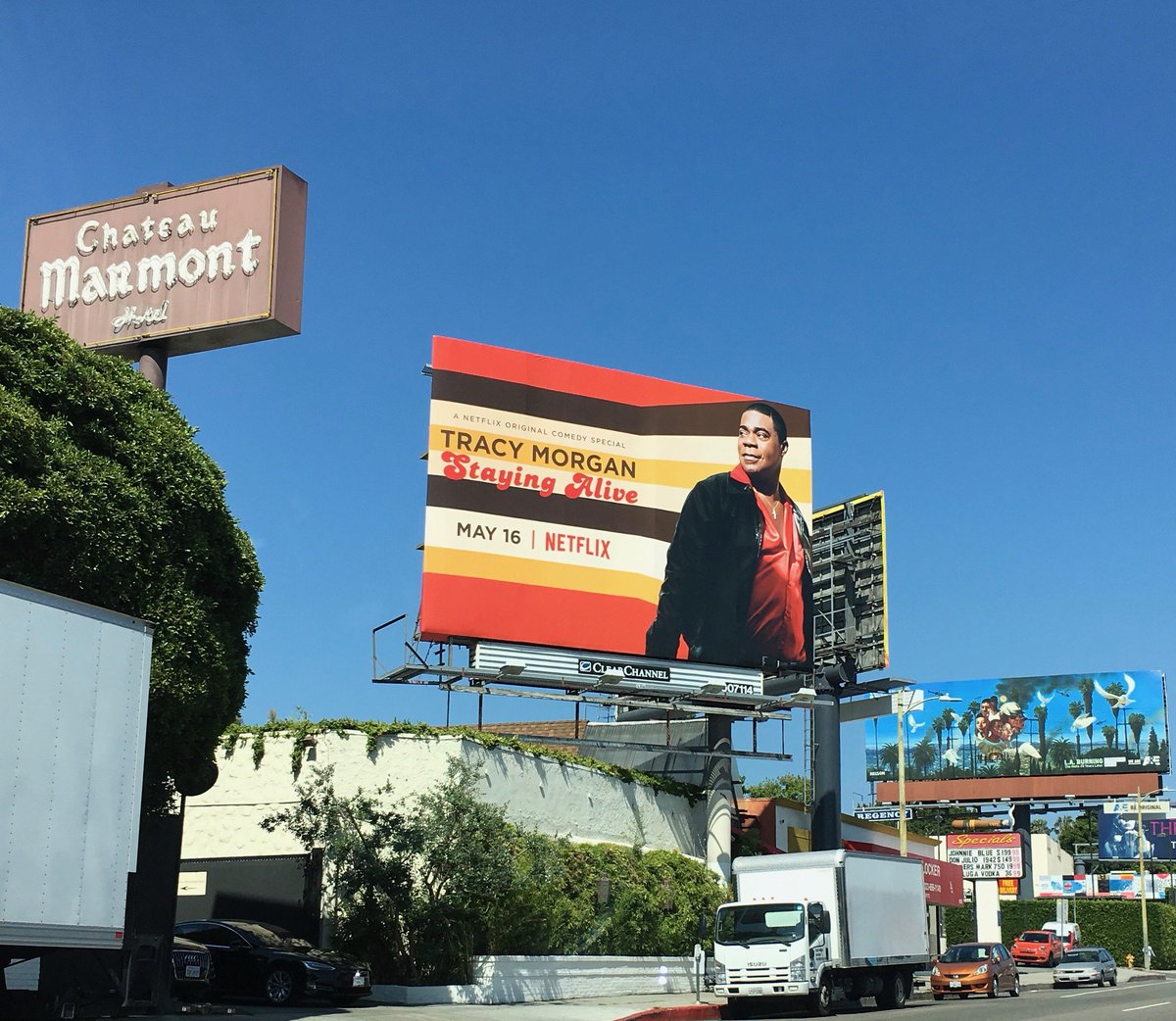 Look at me on Sunset Blvd!!!  This makes me happy! #StayingAlive on @netflix next week everybody!!!!!!!!!!! https://t.co/vRrtesI0Oi