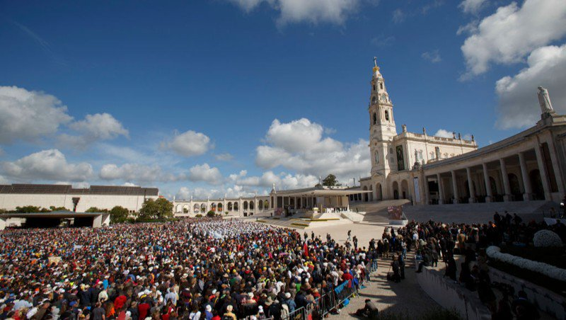 Pope canonizes 2 children who claimed to see Virgin of Fatima
