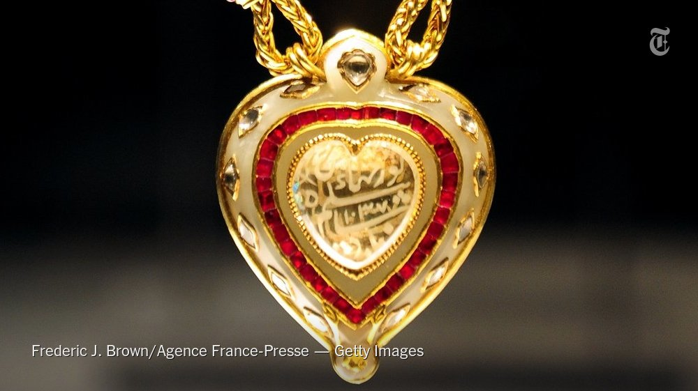 A diamond once owned by Elizabeth Taylor is the focus of a dispute tied to its lineage.https://t.co/dtfoTkgZ7c https://t.co/w3QJwflxmZ