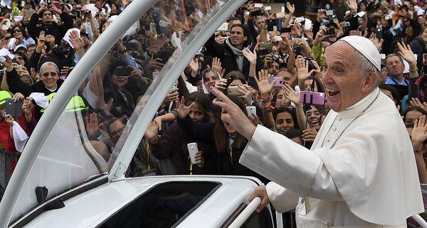 Pope makes 2 children saints in Portugal
