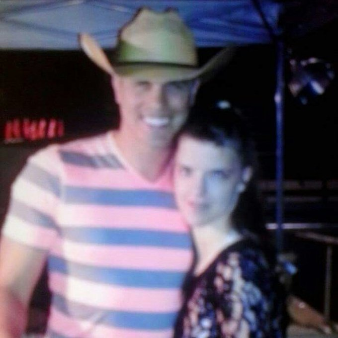 Happy happy happy birthday Dustin lynch I hope your day is as beautiful as you I love you Dustin lynch