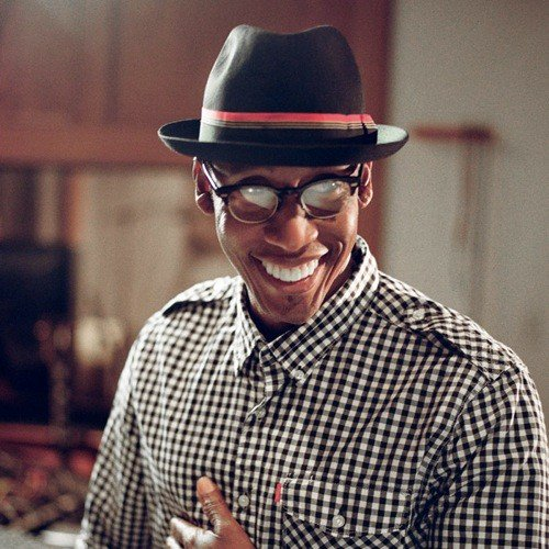 Happy Birthday to the very talented Raphael Saadiq from    R&B at it\s best