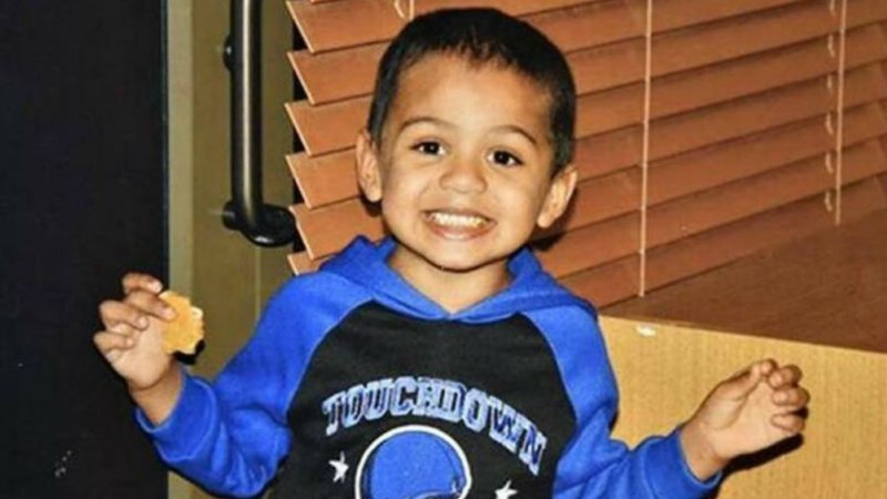 Tortured boy told social worker of abuse 2 years before parents killed him:docs