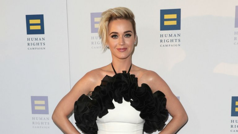 Katy Perry in talks to judge ABC's 'American Idol' revival