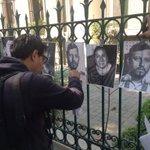 Reporteros y camarógrafos protestan por el asesinato de la periodista Anabel Flores, en el estado de Veracruz https://t.co/26DjYDHTHr