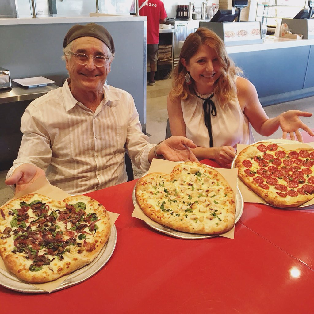 LOVED having @Lauriebstyle at the first-ever zpizza in #Laguna! Here she is with founder, Sid! #ValentinesDay #pizza https://t.co/lIh4m0etKq