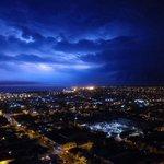 Impresionante foto. Mar del Plata ahora. Truenos y lluvia. @dronmardelplata https://t.co/uQeR1HV4k8