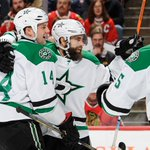 Patrick Eaves already has a hat-trick as the Stars lead the Blackhawks 4-0.  The first period just ended. https://t.co/2h3VwY55Hr